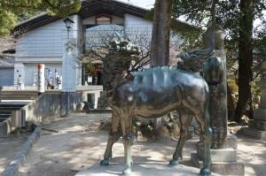 太宰府天満宮の境内に一体だけ残った麒麟像