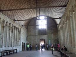修道士たちが使った厳かな雰囲気の食堂