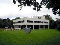 Villa Savoye by Le Corbusier